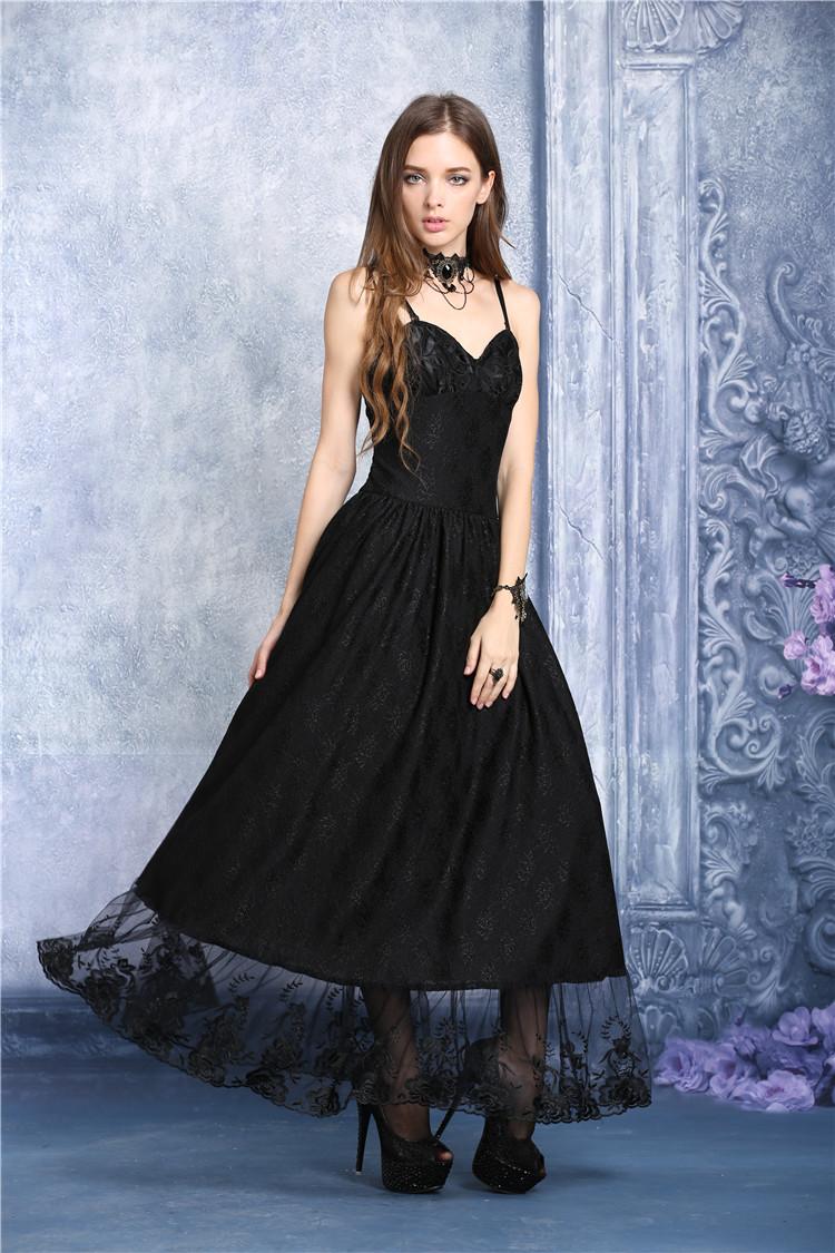 longue robe gothique romantique orn e de tulle et de dentelle. Black Bedroom Furniture Sets. Home Design Ideas