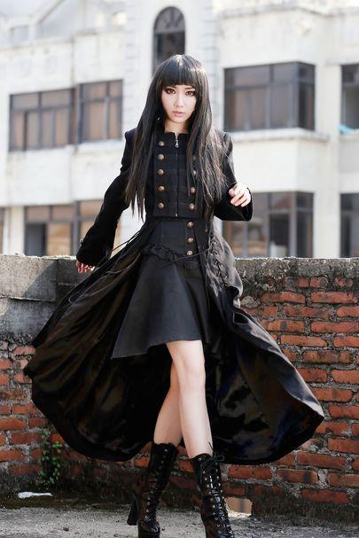 vous cherchez de longs manteaux gothiques pour femmes. Black Bedroom Furniture Sets. Home Design Ideas